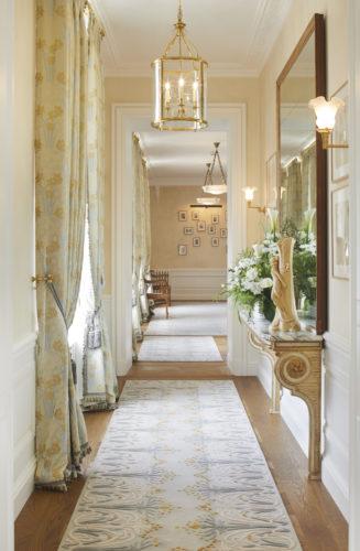 Perrier-Jouët corridor 2.jpg